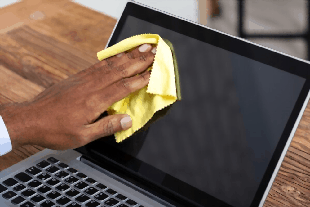 How to Clean A Touch Laptop Screen